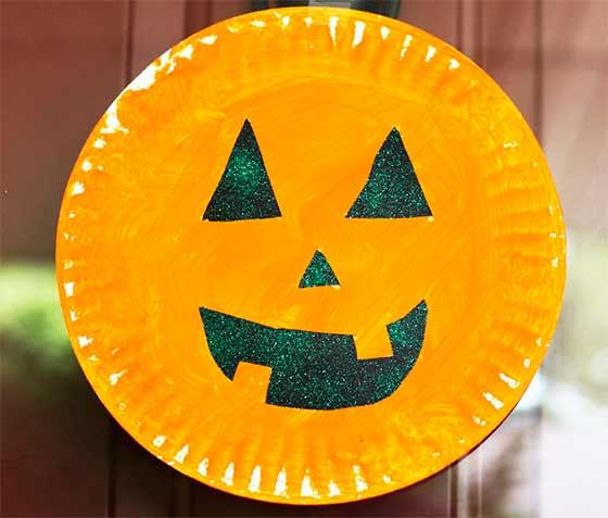 plato pintado de Halloween
